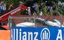 """""""Mercedes"""" apie dvigubą avariją: tikimės, kad panašių įvykių ateityje nebebus"""