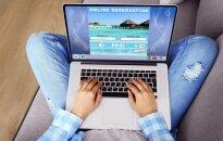 Planuojančius atostogas įpėja būti budriems: socialiniuose tinkluose daugėja nelegalių kelionių organizatorių