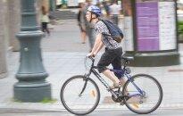 Važinėjimui dviračiu su įjungtomis šviesomis - ne!