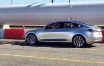 Bandomas Tesla Model 3 elektromobilis