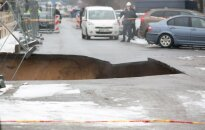 Sinkhole opens in the frofron of Barclays building in Vilnius