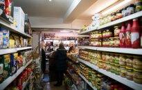 """<strong style=""""color: #ff0000;"""">Išvarytieji?</strong> Kiek tie patys maisto produktai kainuoja Lietuvoje ir Anglijoje"""