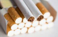 Dėl 20 pakelių cigarečių pasienietis neteko darbo ir gavo baudą