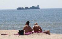 Baltijos pajūryje rado pliažą, iš kurio teko skubiai nešti kudašių