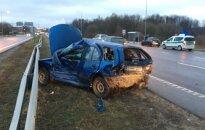 Autostradoje ties Kaunu dėl masinės avarijos susidarė didžiulė spūstis