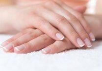 Kaip greitai išgelbėti saustančią rankų ir kulnų odą
