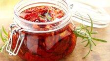 Kaip orkaitėje išdžiovinti pomidorus?