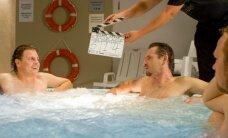 Filmuojant kino juostą Marijonas į sukūrinę vonią lipo nuogas, Choras - su trumpikėmis