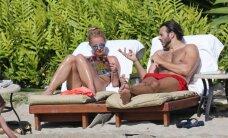 Paparacio šūvis: pusnuogė Britney Spears aptikta su būsimu trečiuoju vyru