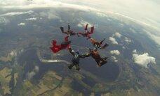 Šuolio parašiutu instruktorius: jaunikiams nereikia pasakoti baisių istorijų ir juodojo humoro anekdotų