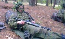 Lietuvos lengvaatlečiai sportinę aprangą iškeitė į kariškių uniformas