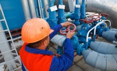 """""""Bloomberg"""": """"Gazprom"""" dujas Ukrainai tieks dar trejus metus"""