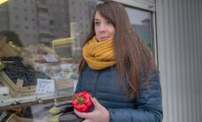 Išknebinėjo turguose pardavinėjamas salotas