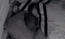 """Du šou """"2 Barai"""" dalyviai užtikti lovoje: jausmų neslėpė"""