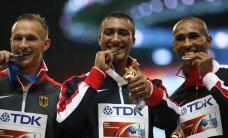 Pasaulio lengvosios atletikos čempionate Maskvoje išdalinti dar keturi medalių komplektai