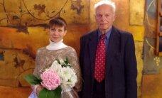 A. Sakalo žmona paneigė kalbas apie vedybas iš išskaičiavimo