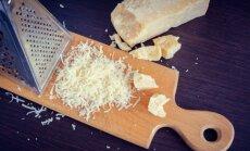Tarkuotas parmezano sūris