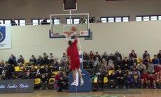 Gražiausi krepšinio šventės Palangoje dėjimų į krepšį konkurso epizodai
