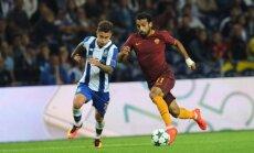 Otavio (Porto, kairėje) kovoja su Mohamedu Salah (Roma)