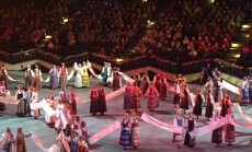 Abruselis. A dance about washing, drying and folding linen towels