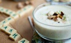 Netikėto skonio šalta sriuba: agurkų ir pistacijų improvizacija