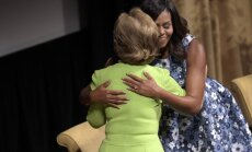 Michelle Obama, Laura Bush