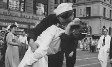 Alfredo Eisenstaedto nuotrauka Pergalės diena