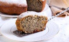 Cukinijų pyragas su aguonomis ir razinomis