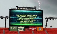 Žaibas - pavojingas priešas atviruose stadionuose žaidžiantiems futbolininkams.