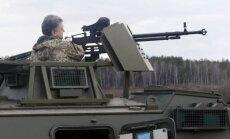 """Ukrainos kariuomenei pristatyti 55 šarvuočiai """"Saxon"""""""