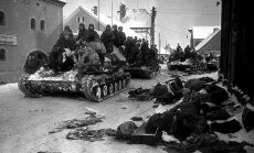 Sovietų tankų divizija Miulhauzene. Vokietija. 1945 m.