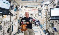 Amerikietis Džefas Viljamsas tapo ilgiausiai kosmose praleidusiu JAV astronautu