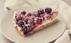 Vasaros uogų ir maskarponės pyragas