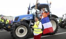 Prancūzai vairuotojai ir ūkininkai blokavo kelius į Kalė uostamiestį