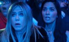 Jennifer Aniston filme Firmos kalėdinis balius