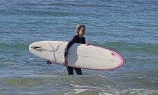 Kim Basinger atostogos Havajuose