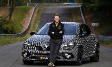 F-1 pilotas Nico Hulkenbergas išbandė naują Renault Megane R.S.