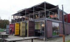 Restoranas, įrengtas naudojant jūrinius konteinerius, dažnai traukia praeivių dėmesį