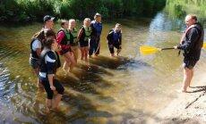 Neformaliojo vaikų švietimo būrelio nariai plaukė baidarėmis