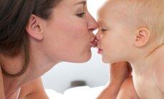 vaikas, kūdikis, mama, motinystė, bučinys, meilė