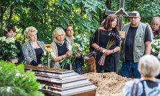 A. Ilginio laidotuvės