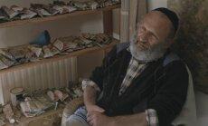 Kadras iš filmo Dialogas su Josifu