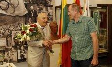 Antanas Mauza švenčia 80-metį