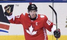 Sidney Crosby džiaugiasi įvarčiu