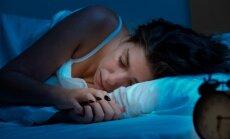 Su miego sutrikimais galima susidoroti be vaistų