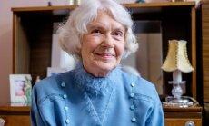 80-metė Valerija savanoriauja ir pati
