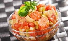 Avokadų, pomidorų ir krevečių salotos