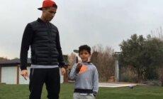 Cristiano Ronaldo su sūnumi