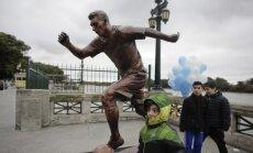 Paminklas Lioneliui Messi