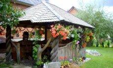 """Sodyba su 100 augalų rūšių: kaip susikurti gėlių karaliją <span style=""""color: #ff0000;"""">FOTO</span>"""